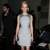 Elizabeth-Banks-welcomes-son