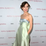 Keira-Knightley-enjoys-bridal-tea-with-Ellen