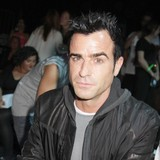 Justin-Theroux-invites-Pitt-to-Aniston-wedding