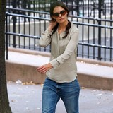 Katie-Holmes-focusing-all-on-theatre-show