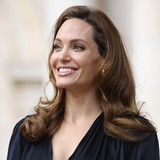 Angelina-Jolie-eager-to-connect-with-in-laws