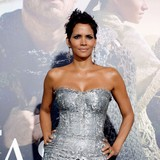 Halle-Berry-shocks-with-breast-stunt