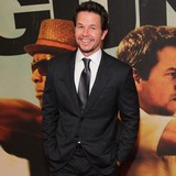 Mark-Wahlberg-advises-Bieber