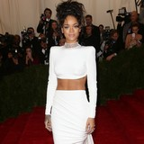 Rihanna-�being-considered-for-Bond-theme�