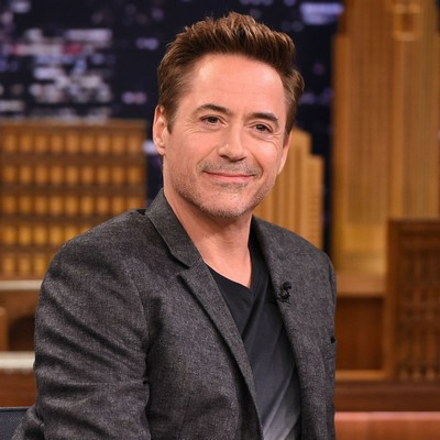 Downey-Jr.-talks-interview-walkout