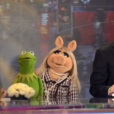 Kermit-the-Frog-and-Miss-Piggy-split