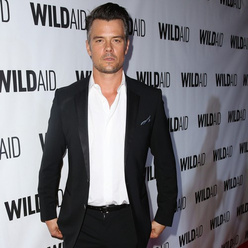Josh-Duhamel:-Fergie-fails-at-dressing-our-son