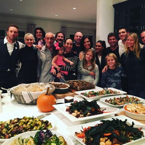 Gwyneth-Paltrow-and-Chris-Martin-reunite-for-Thanksgiving