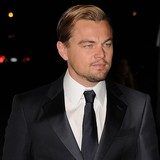 Leonardo-DiCaprio-�mesmerised-by-model�