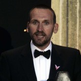 Eccleston-triumphs-at-International-Emmys