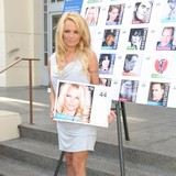 Pamela-Anderson:-Charity-is-important